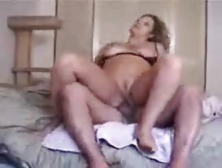 Hot busty chic rides schlong on bed