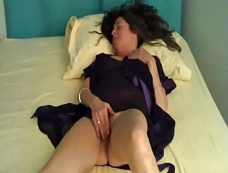 girl friend masturbates for me while I video her