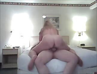 Cheating milf rides cock