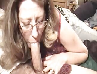 Milf performs a good blowjob till i cum