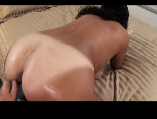 Fucking a slutty tan lined milf picked up from the hotel