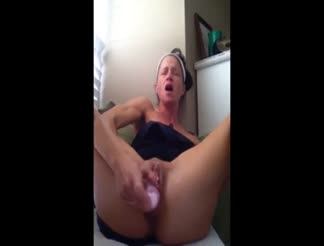 Milf has heavy orgasm