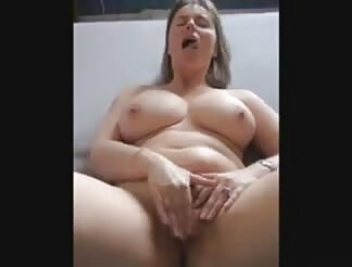 Mature chick masturbating