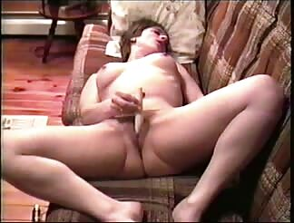 MILF MICHELLE MASTERBATING
