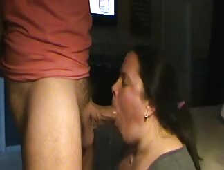 BBW giving head