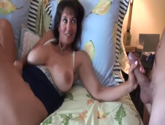 Nice mature milf gets creampied