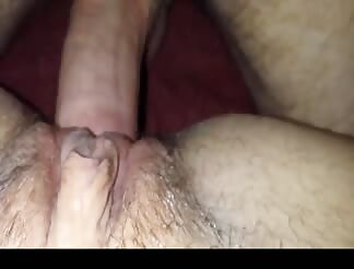 Close up fuck with a creampie for his chick
