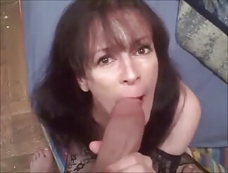 Mature blowing a big dick