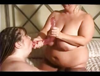 two fat bbw women with toys fuck their cunts