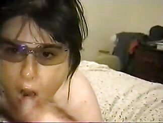 Italian chubby mamma gets spunk on glasses