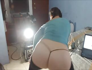 Girl dancing on cam
