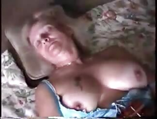Short clip with a grandma cumming